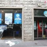 Escritório do partido de Berlusconi é atacado na Itália