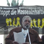 [Alemanha] Manifestação pela liberdade de Mumia Abu-Jamal reúne centenas de pessoas em Berlim
