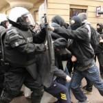 [Polônia] Antifascistas lutam contra a polícia e ultra-direitistas nas ruas de Katowice