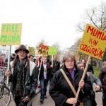 [Holanda] Em Amsterdã, manifestantes exigem: libertem Mumia Abu-Jamal!