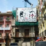 [Espanha] Faixa gigante é estendida em festa de São Firmino em solidariedade com os torteiros