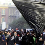 """Conheça o """"Black Bloc"""": mais falado grupo de oposição radical do Egito"""