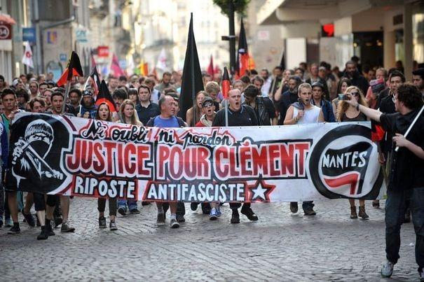 606360_des-manifestants-rendent-hommage-a-clementy-meric-le-6-juin-2013-a-nantes