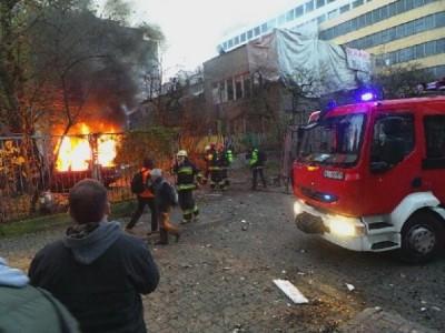 2013-11-11_Warsaw_Squat_Przychodnia_attacked_by_nazis-a-400x300