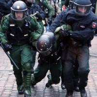[Alemanha] Polícia reprime protesto em defesa da okupa Rote Flora, em Hamburgo