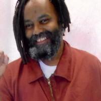 Mumia Abu-Jamal está completando 32 anos atrás das grades. Nossa tarefa é levá-lo para casa