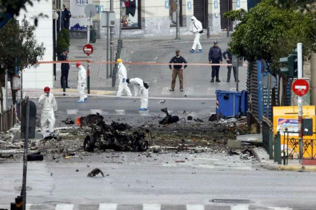 grecia-atenas-carro-bomba-explod-1.jpg