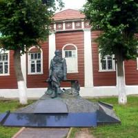 [Rússia] Anarquistas de Moscou participam da reconstrução do museu Kropotkin, em Dmitrov
