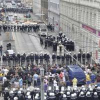 [Áustria] Polícia desaloja e detém ativistas da Pizzeria Anarquia