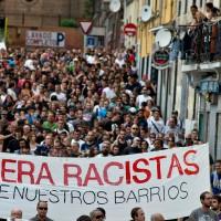 [Espanha] Mais de mil pessoas se manifestam em Madri contra a ocupação de um prédio por grupos neonazistas