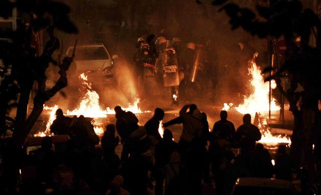 grecia-17-de-novembro-luta-contr-1