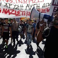 [Grécia] Asfixiando-nos em um lodo de médicos