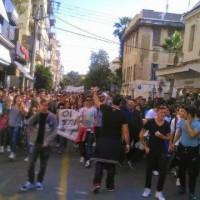 [Grécia] Corinto: Professores trancam os alunos na escola para impedi-los de participar em protestos estudantis