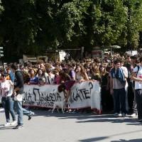 [Grécia] Fiscais, policiais e ministros tratam de deter a onda de ocupações de escolas secundárias em todo o país