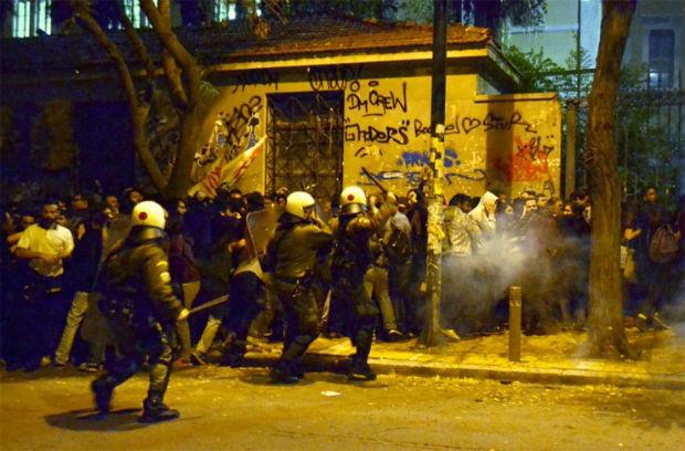 grecia-repressao-policial-contra-1