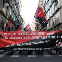 """[Itália] """"Greve social"""" de 24 horas: protestos contra o governo do primeiro-ministro Matteo Renzi"""