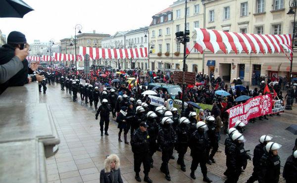 polonia-manifestacao-antifascist-1