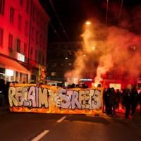 """[Suíça] Centenas vão às ruas de Zurique e gritam """"as ruas são nossas"""""""