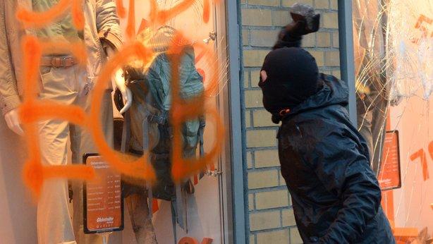 alemanha-protestos-em-frankfurt-1