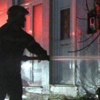 [Grécia] Ataque incendiário a uma sede da Syriza em solidariedade com os grevistas de fome
