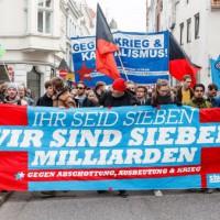 [Alemanha] Manifestantes protestam em Lübeck contra reunião do G7