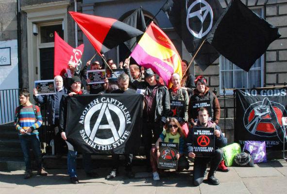 escocia-em-edimburgo-ativistas-r-1