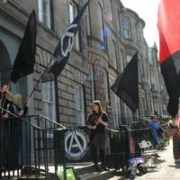 escocia-em-edimburgo-ativistas-r-2.jpg