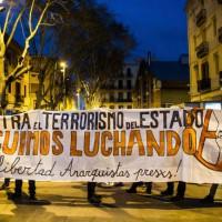 """[Espanha] Madri: Antidistúrbios atacam uma concentração de protesto pela """"Operación Piñata"""": várias pessoas feridas e 6 detidas"""