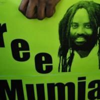 [EUA] Mumia luta por sua vida em condições inumanas