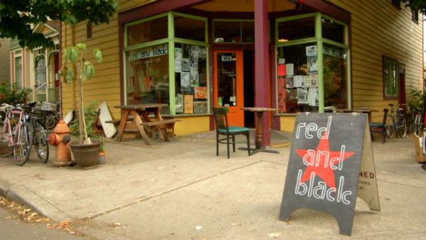 eua-o-fim-do-cafe-red-black-1
