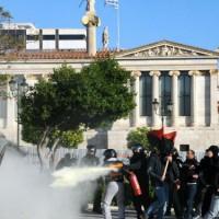 grecia-massiva-manifestacao-anti-3.jpg