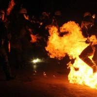 [Grécia] Vídeo dos confrontos em Exarchia após o protesto em solidariedade com os prisioneiros em greve de fome