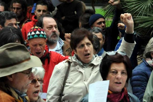 italia-centenas-de-pessoas-no-pr-3.jpg