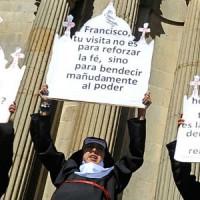 [Bolívia] Protesto anarcofeminista em La Paz contra visita do papa; seguida da inevitável repressão policial