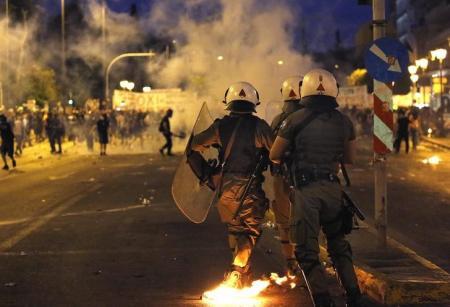 grecia-a-montar-barricadas-de-re-1