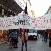 [Itália] Manifestação antimilitarista de 7 de novembro, em Reggio Emilia