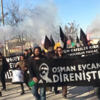 [Turquia] Osman Evcan em greve de fome: manifestação de anarquistas e ativistas animalistas fora da prisão Tipo F de Kandira