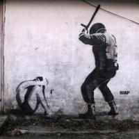"""[Grécia] Lefkimmi, Corfu: Policiais espancaram brutalmente grupo de jovens após ouvir a palavra """"polícia"""" em uma conversa"""