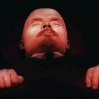 Preso aposentado que jogou tinta contra mausoléu de Lênin na Rússia