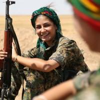 [Curdistão] Mulheres curdas lutam por democracia confederada e nova economia
