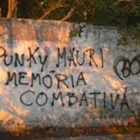 Propaganda nas ruas de Porto Alegre em memória do Punky Mauri