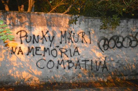 propaganda-nas-ruas-de-porto-alegre-em-memoria-d-1