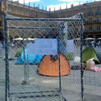[Espanha] Ativistas acampam na Plaza Mayor de Salamanca em apoio aos refugiados