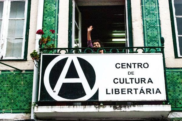 portugal-cacilhas-apelo-do-centro-de-cultura-lib-1