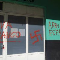 [Galícia] A Coruña: Pichações nazis no Ateneu Libertário Xosé Tarrío