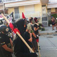 [Grécia] Vídeo: Confrontos com policiais em frente ao muro da Vergonha - Evros