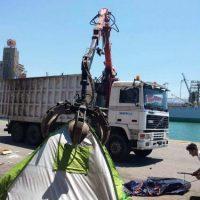 [Grécia] Violento desalojo do Armazém de Pedra no porto do Pireu