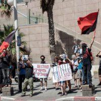 [Israel] Protesto em frente da Embaixada da Rússia em Tel Aviv em solidariedade com xs presxs anarquistas e antifascistas russxs