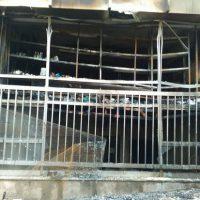 [Grécia] Ataque incendiário contra a okupa de abrigo para refugiados e imigrantes