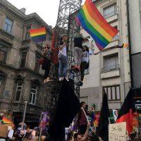 turquia-protesto-em-istambul-pelo-crime-da-jovem-4.jpg